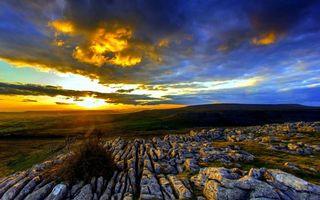 Бесплатные фото холмы,камни,трава,горизонт,закат,солнце,небо