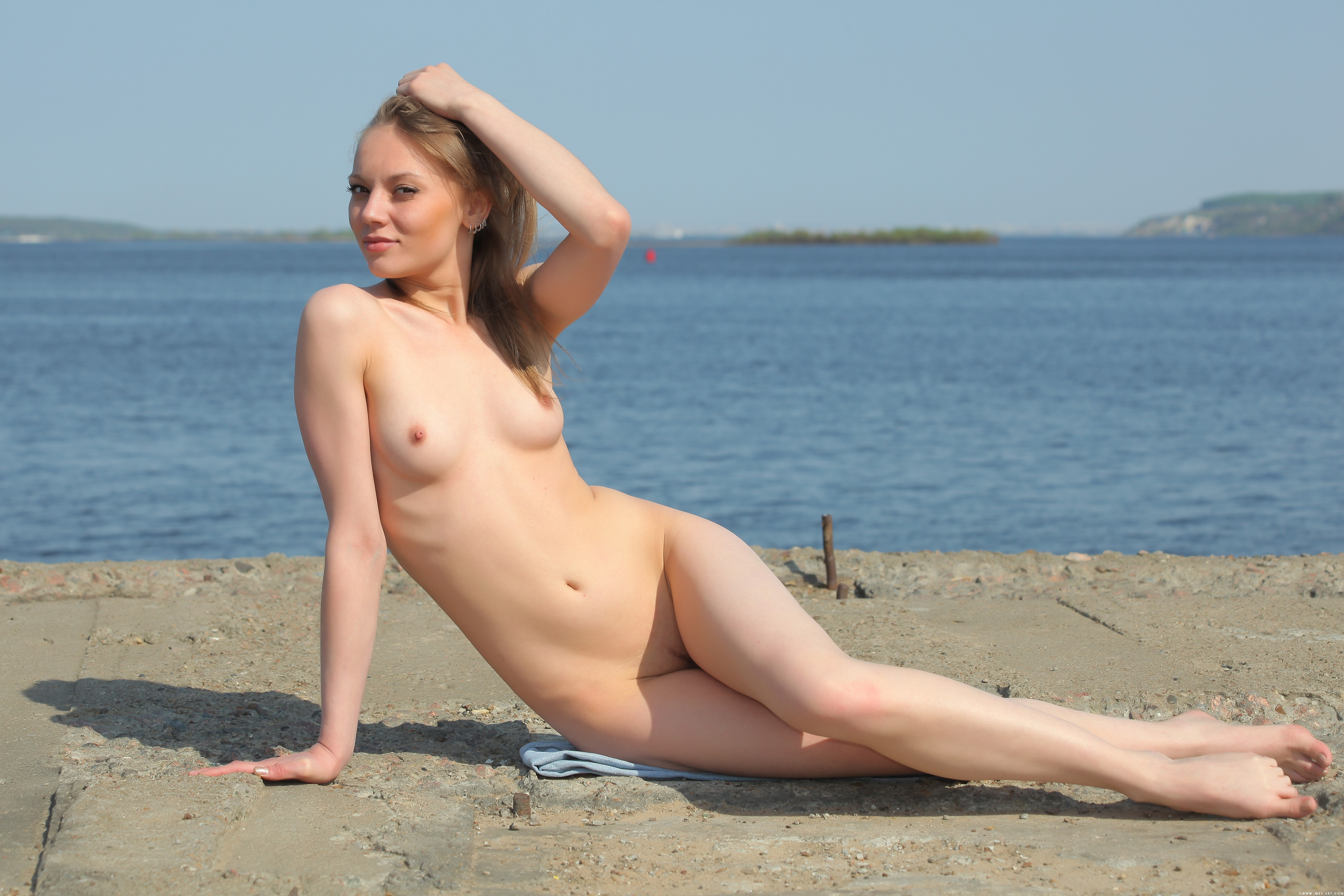 обои Avril B, модель, красотка, голая картинки фото