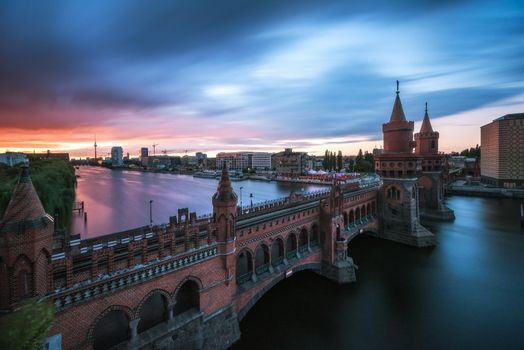 Фото бесплатно Берлин, река, башни, мост, Германия