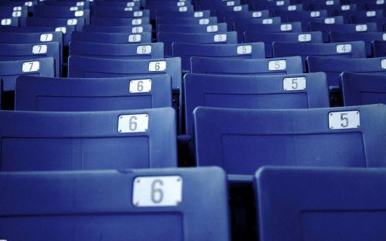 Бесплатные фото кинозал,сиденья,синие,номера,места,ряды