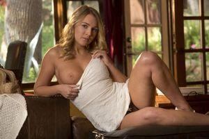 Бесплатные фото Zoey Taylor,красотка,девушка,модель,голая,голая девушка,обнаженная девушка