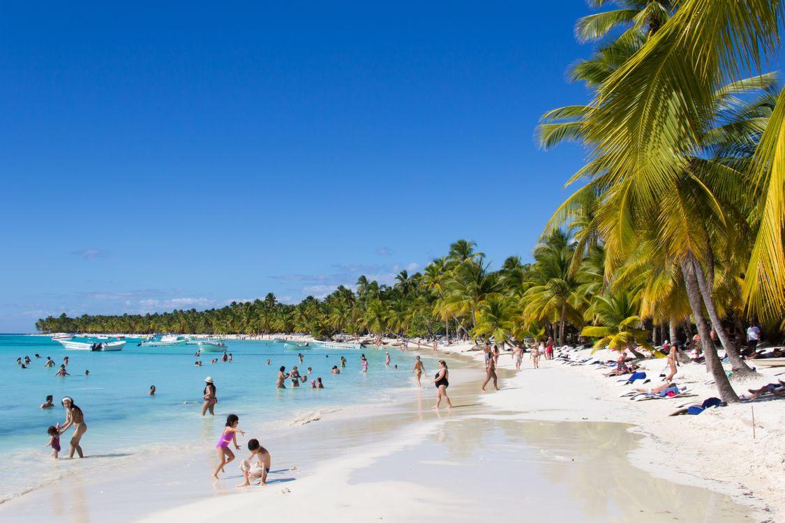 Фото бесплатно оживленный пляж, люди, купаются, отдыхают, загорают - на рабочий стол