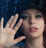 Бесплатные фото девушка, стекло, капли, девушка за стеклом