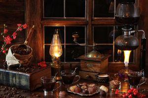 Бесплатные фото окно,подоконник,лампа,книга,кофе,кофемолка,конфеты