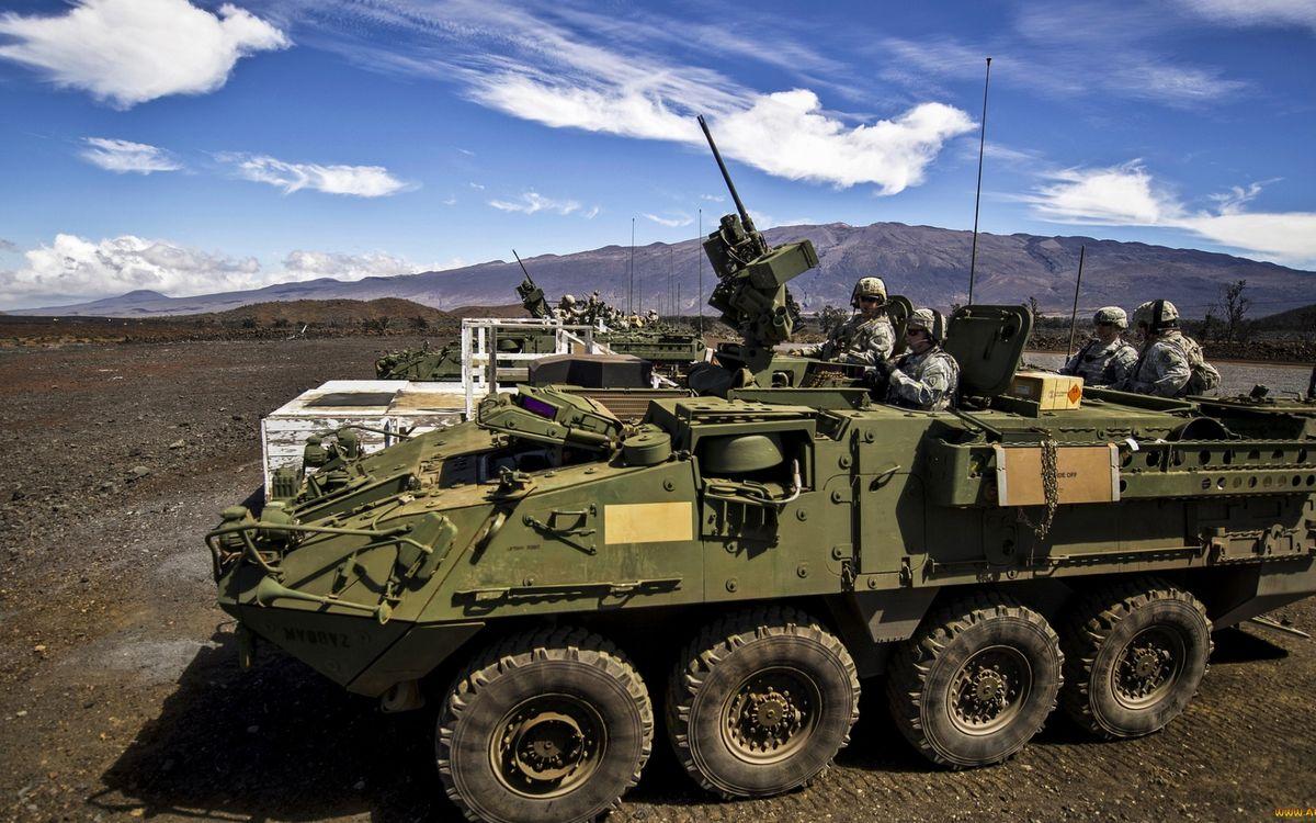 Фото бесплатно бтр, броня, шасси, антенны, пулемет, солдаты, оружие