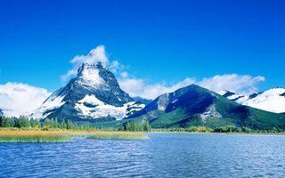 Заставки озеро, растительность, горы, снег, небо, облака, природа