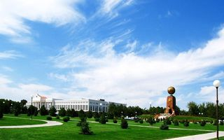 Бесплатные фото Узбекистан,Ташкент,центр,площадь Амир Темура