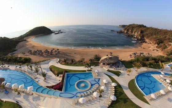 Фото бесплатно курорт, басейны, шезлонги