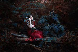 Бесплатные фото девушка,платье,лес,цветы