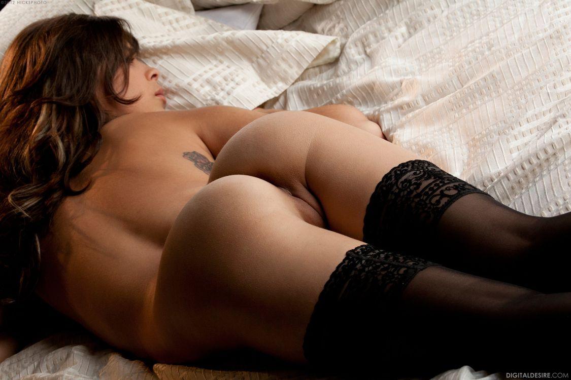 Обои Nina James, девушка, модель, красотка, голая, голая девушка, обнаженная девушка, позы, поза, сексуальная девушка, эротика на телефон | картинки эротика