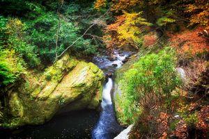 Бесплатные фото осень,речка,ручей,водопад,скалы,деревья,пейзаж