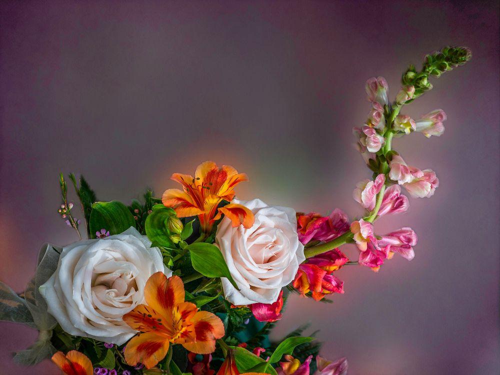 Фото бесплатно букет, розы, лилии - на рабочий стол