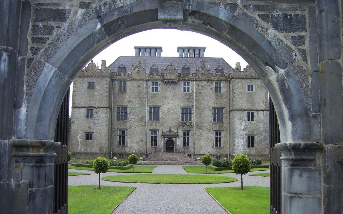 Фото бесплатно арка, вход, замок, трава, газон, кустарник, дорожки, стиль