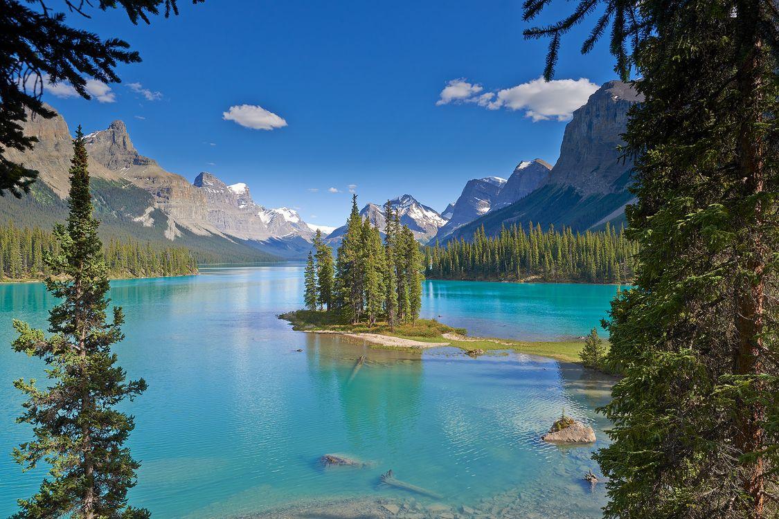 Фото бесплатно Japser National Park, Maligne Lake, озеро, горы, деревья, пейзаж, пейзажи