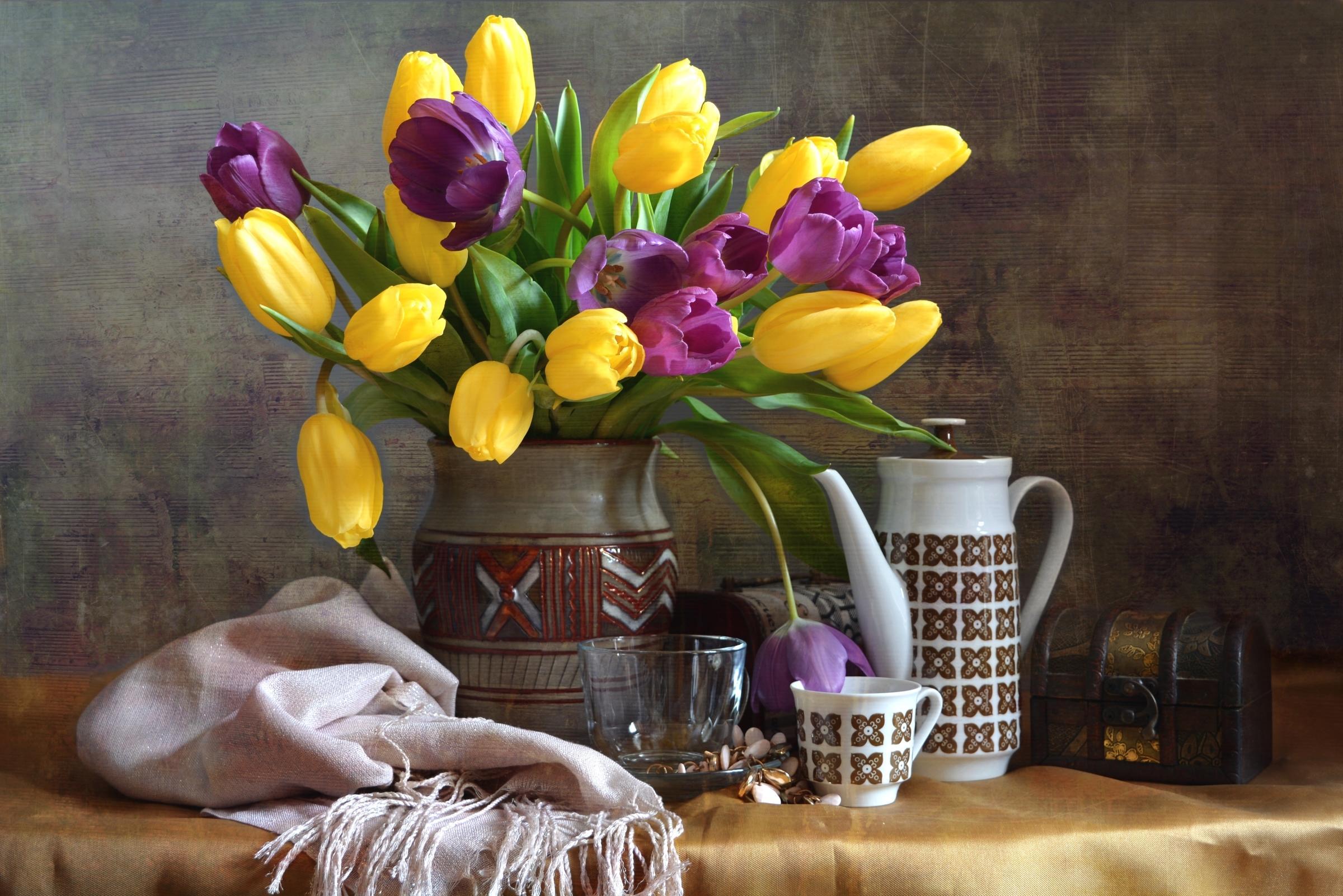 Обои натюрморт, платок, тюльпаны, посуда
