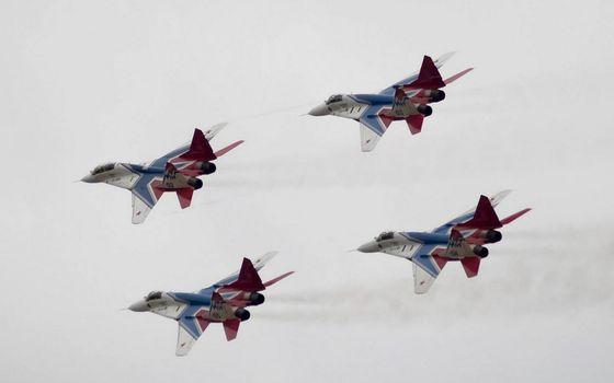 Photo free airplanes, fighters, aerobatic team