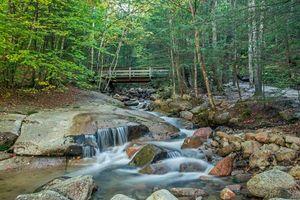 Бесплатные фото Нью-Гемпшир,Национальный заповедник,Новая Англия,лес,река,водопад,пейзаж
