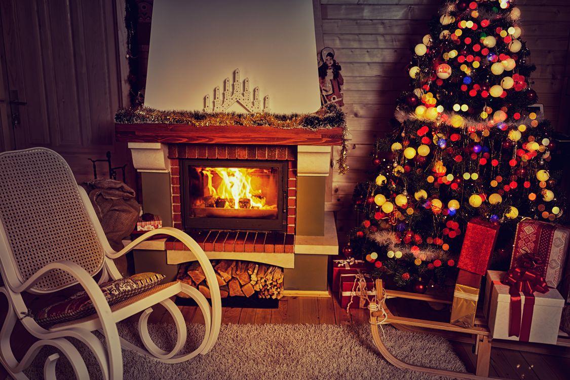 Фото бесплатно Рождество, фон, дизайн, элементы, ёлка, новогодние обои, новый год, интерьер, гирлянды, иллюминация, камин, новый год