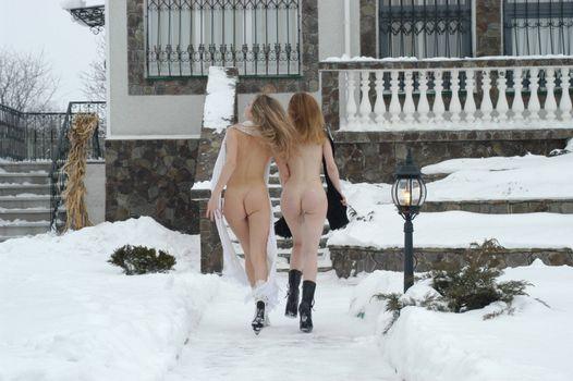 Фото бесплатно голые, девушки, зима, попки