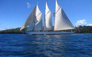 Бесплатные фото судно, мачты, паруса, море, остров, небо