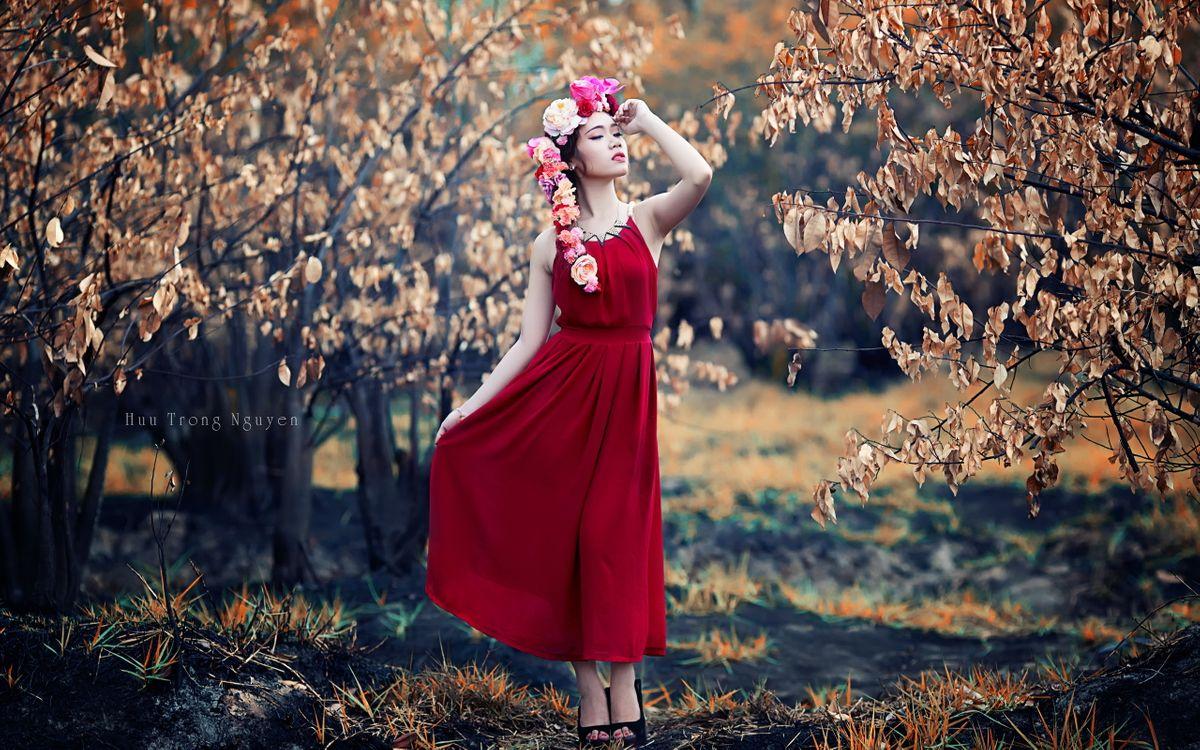 Фото бесплатно девушка, фотомодель, трава - на рабочий стол