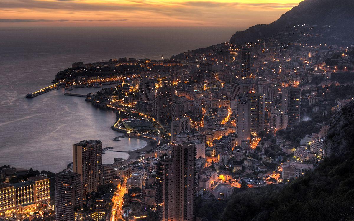 Фото бесплатно вечер, побережье, дома, улицы, огни, море, небо, город