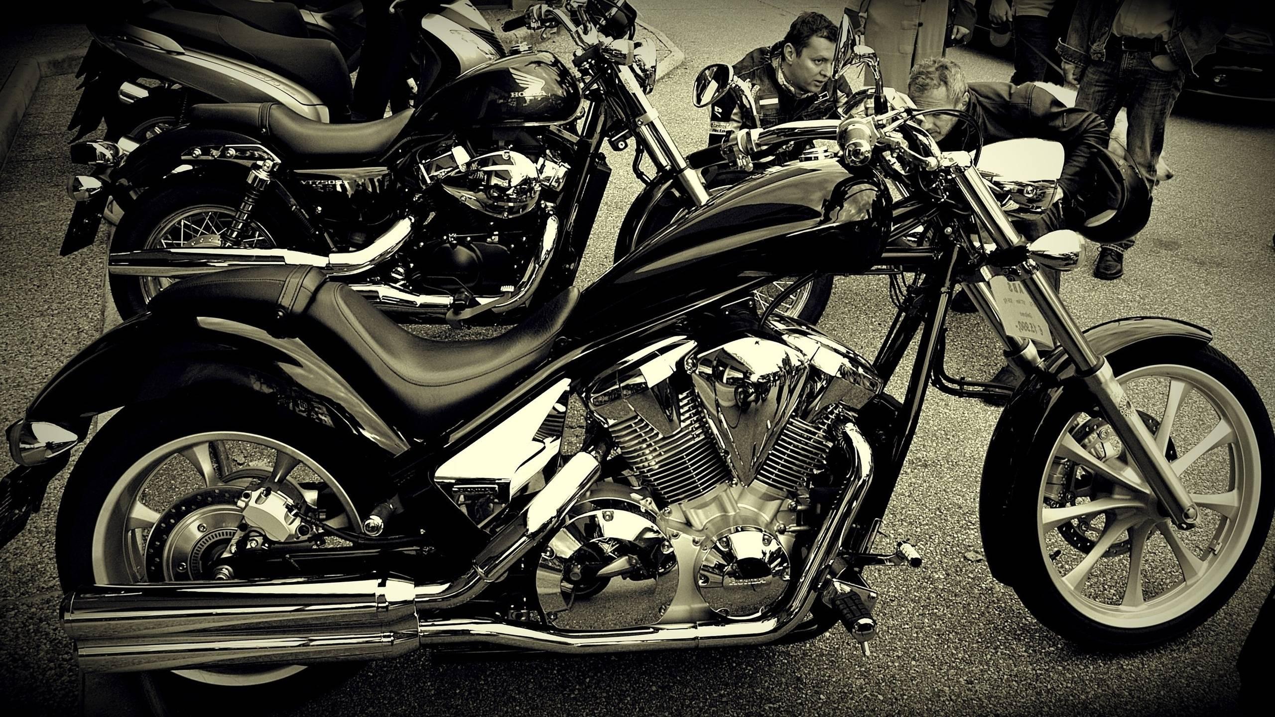 Обои стоянка, мотоциклы, разные, двигатель