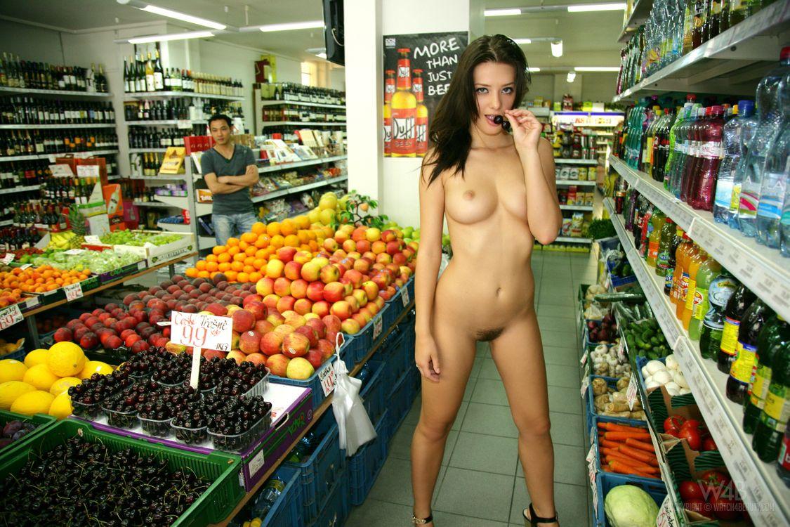 что эротика видео в магазине всегда считала