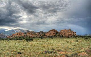 Бесплатные фото трава,кустарник,камни,горы,небо,тучи