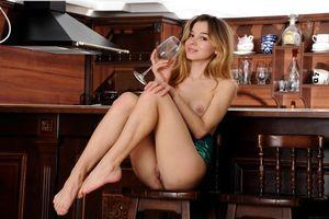 Бесплатные фото Kaleesy, модель, красотка, голая, голая девушка, обнаженная девушка, позы