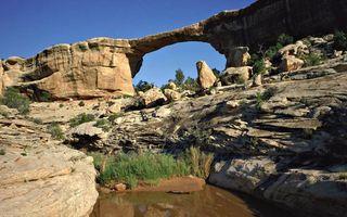 Бесплатные фото скалы,камни,арка,трава,вода,небо