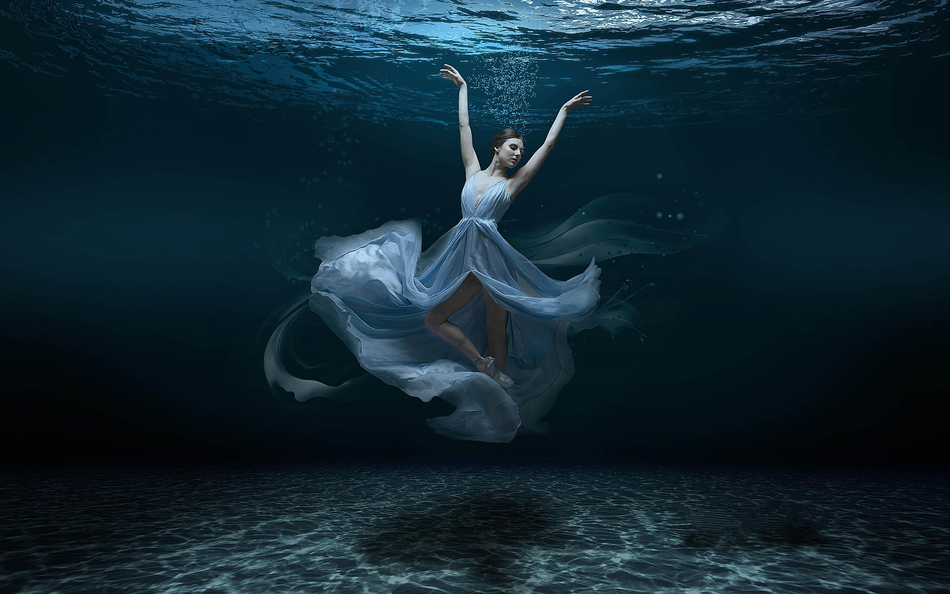 Обои море, морское дно, девушка балерина