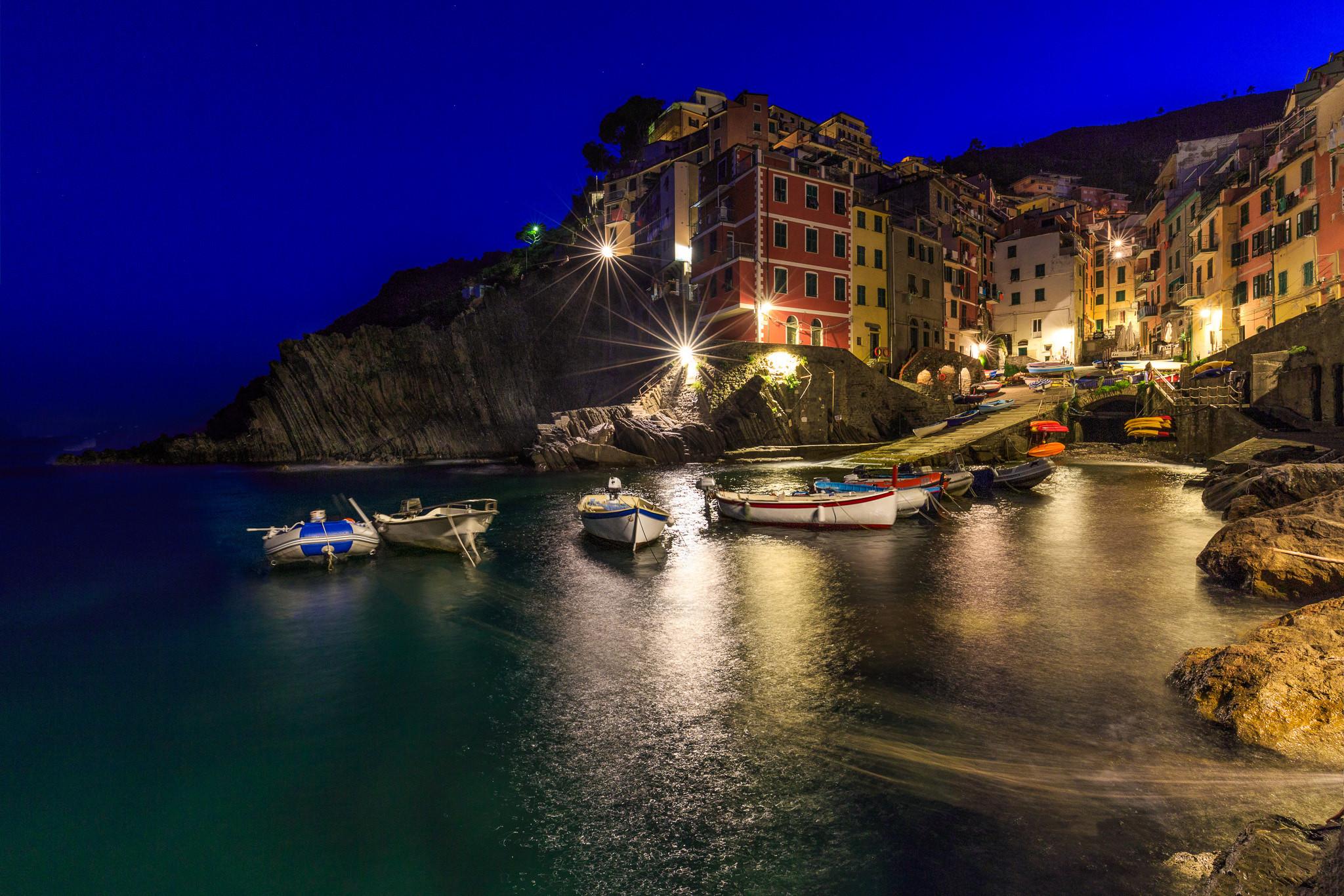 обои Риомаджоре, Италия, ночь картинки фото