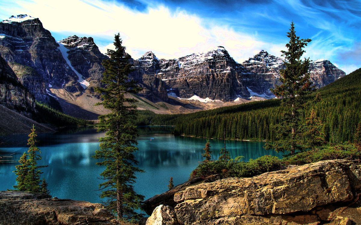 Фото бесплатно горы, камни, скалы, вершины, снег, лес, деревья, озеро, природа - скачать на рабочий стол