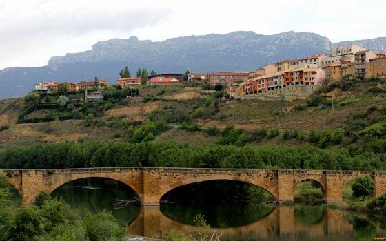 Бесплатные фото река,мост,горы,растительность,дома,городок