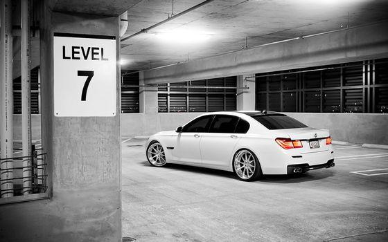 Фото бесплатно подземная парковка, знак, диски