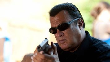 Photo free Steven Seagal, actor, gun