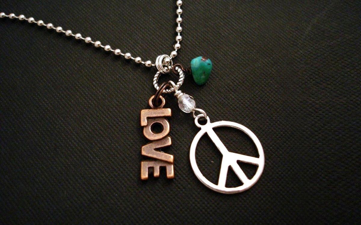 Фото бесплатно цепочка, медальоны, знаки, love, заставка, разное, разное