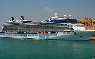 Заставки море, порт, лодка, круизный лайнер, палубы, шлюпки