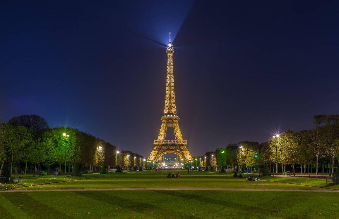 купить эйфелева башня фото ночью для телефона если так