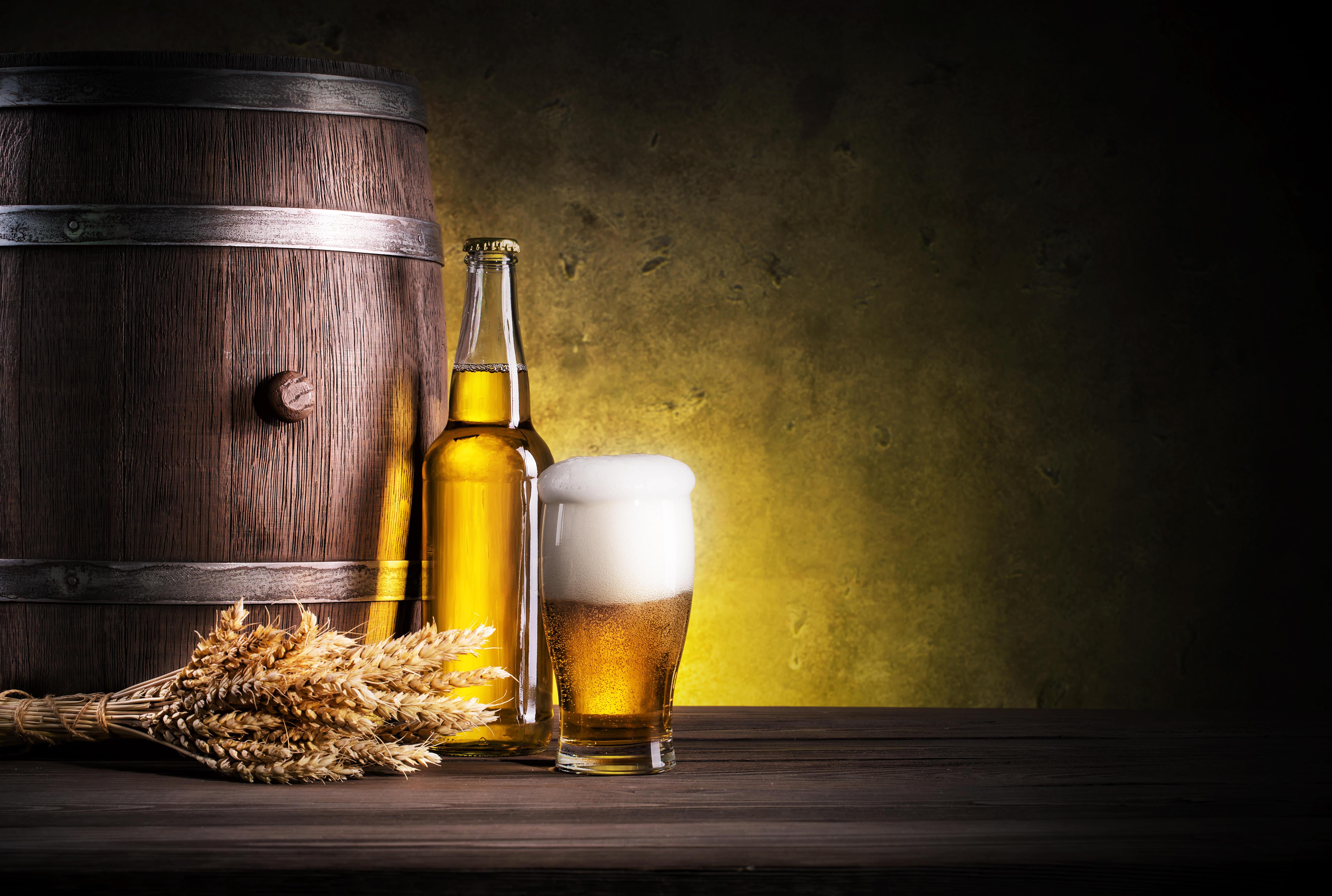 обои кружка, пиво, бочка, колосья картинки фото
