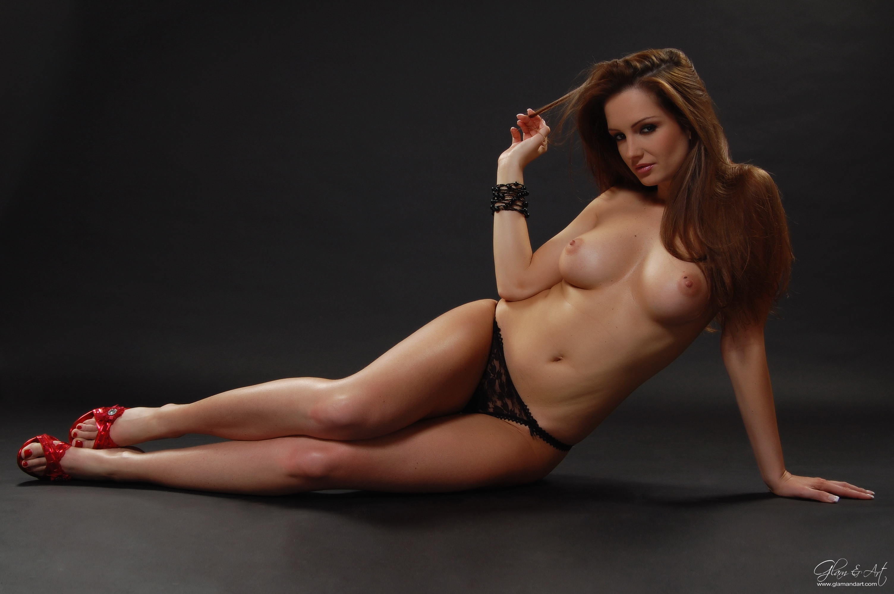 Эротика обои голые порно худые обвисшие