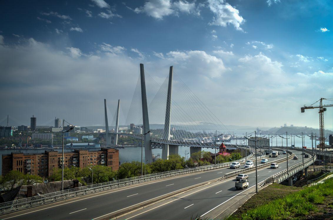 Фото бесплатно Владивосток, Россия, мост, дорога, город, машины, небо - на рабочий стол