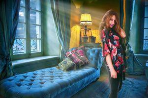 Фото бесплатно комната, кровать, окно, лампа, интерьер, девушка