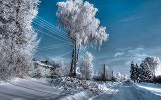 Бесплатные фото зима,деревня,дорога,дома,снег,столбы,провода