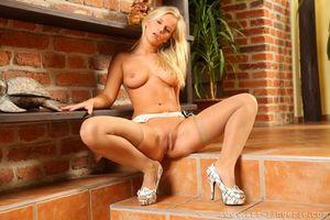 Бесплатные фото Miela A,Miela,девушка,модель,красотка,голая,голая девушка