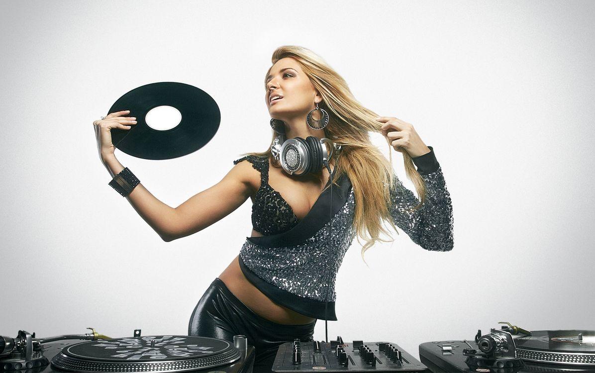 Фото бесплатно диско девушка, девушка диджей, музыка - на рабочий стол