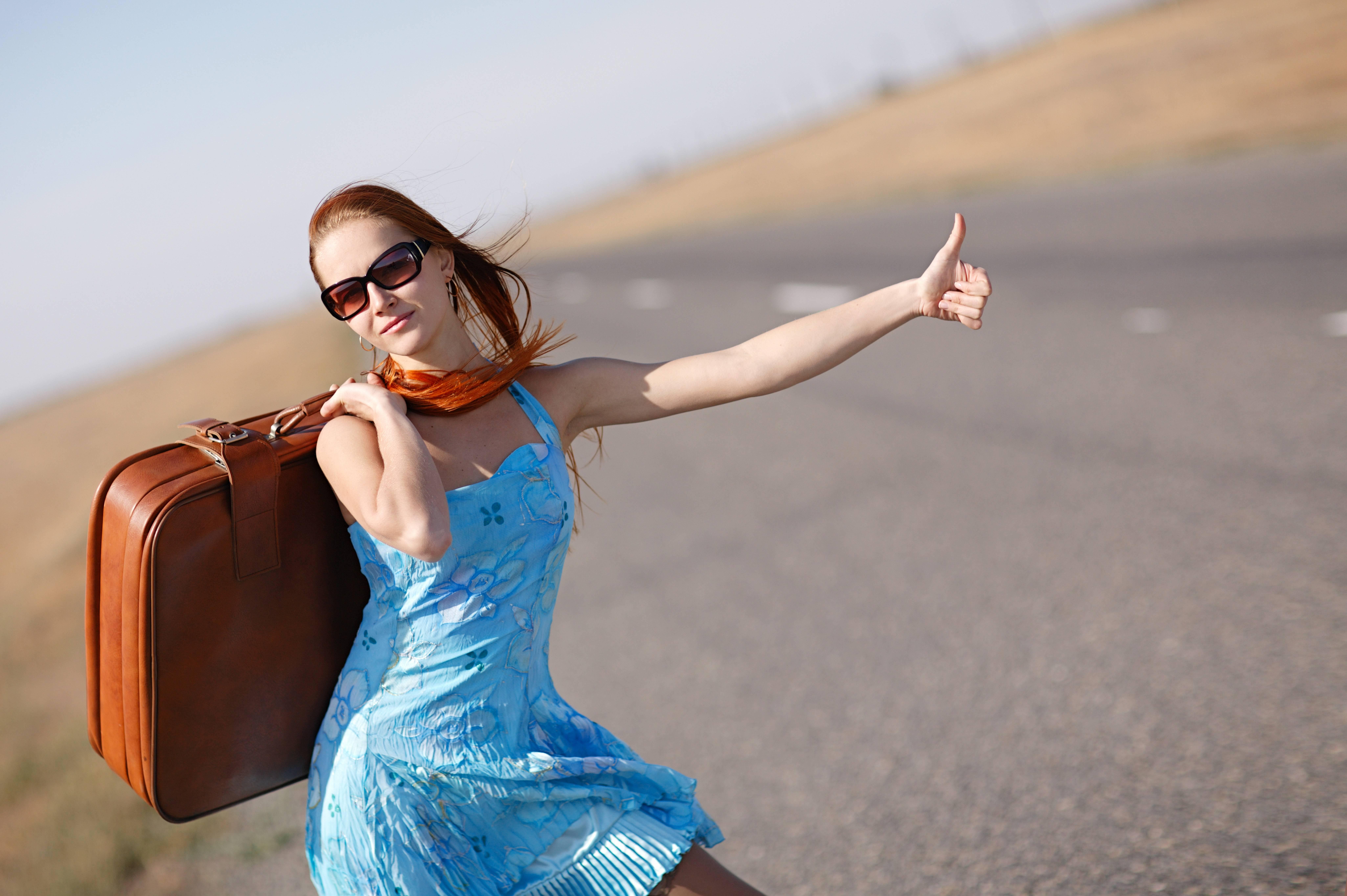обои девушка, красотка, модель, автостоп картинки фото