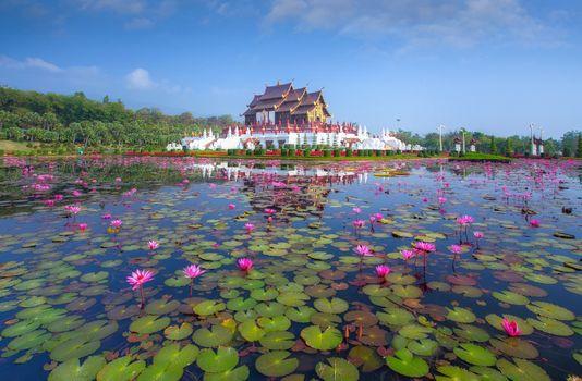 Фото бесплатно Традиционная тайская архитектура в стиле Ланна, Королевский павильон, Хуа Кум Луанг в Royal Flora Expo