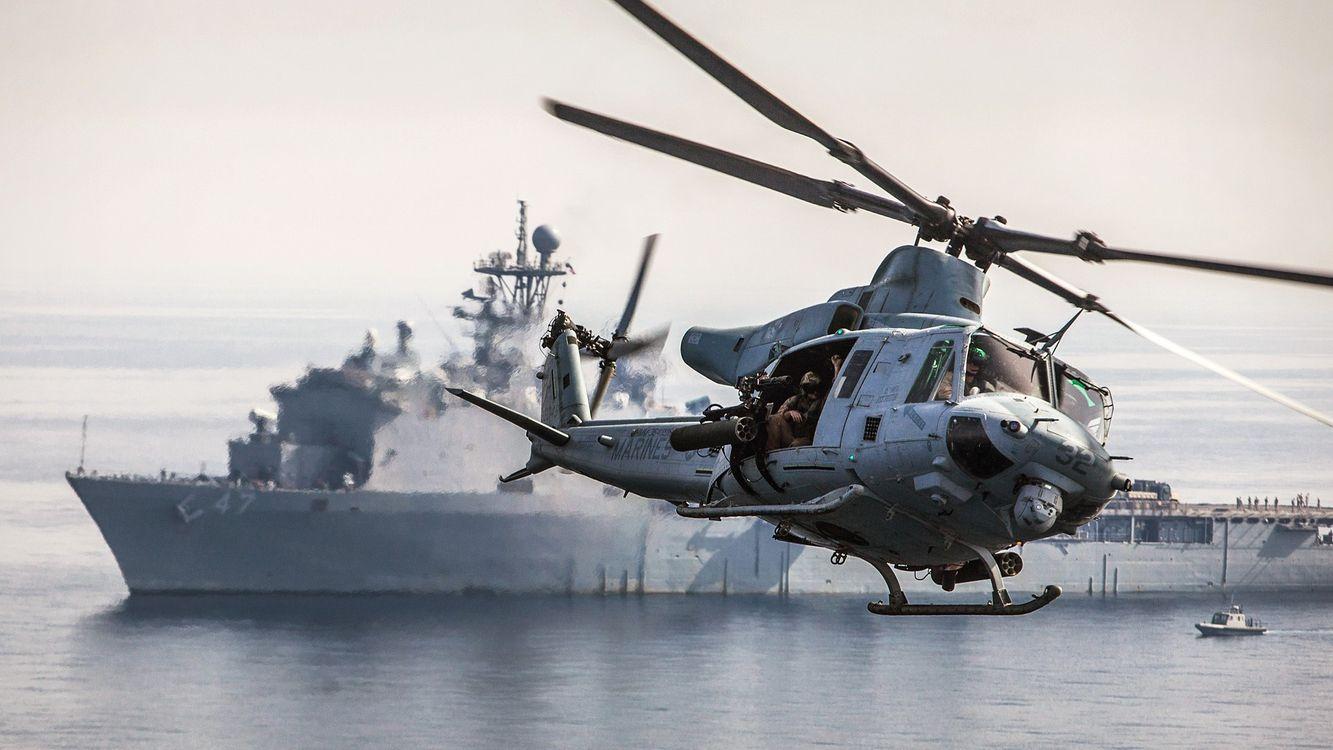 Фото бесплатно вертолет, полет, винты, экипаж, корабль, море, авиация